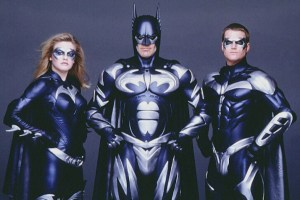 Foto de divulgação do filme, com Batgirl, Batman e Robin