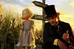 Oz e a bonequinha de porcelana que salvou da Cidade das Porcelanas